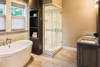 Larged Furnished Bathroom in Luxury Home
