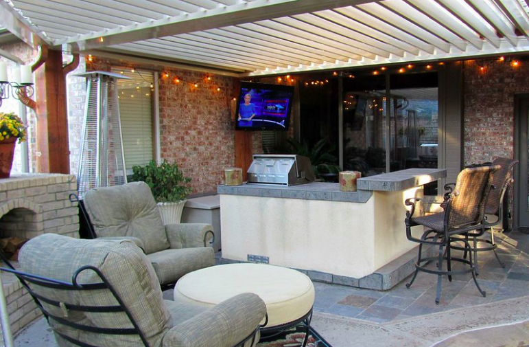 Outdoor living area in Corpus Christi, TX